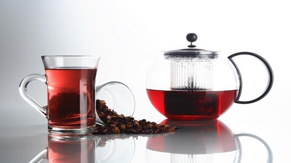 دراسة جديدة تشرح خصائص الشاي الأخضر والأسود الخافضة لضغط الدم