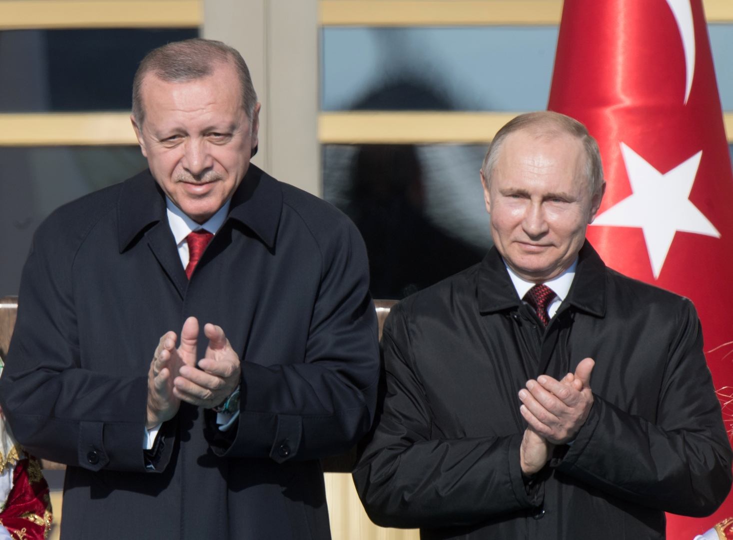 صورة من الأرشيف - الرئيسان الروسي فلاديمير بوتين والتركي رجب طيب أردوغان