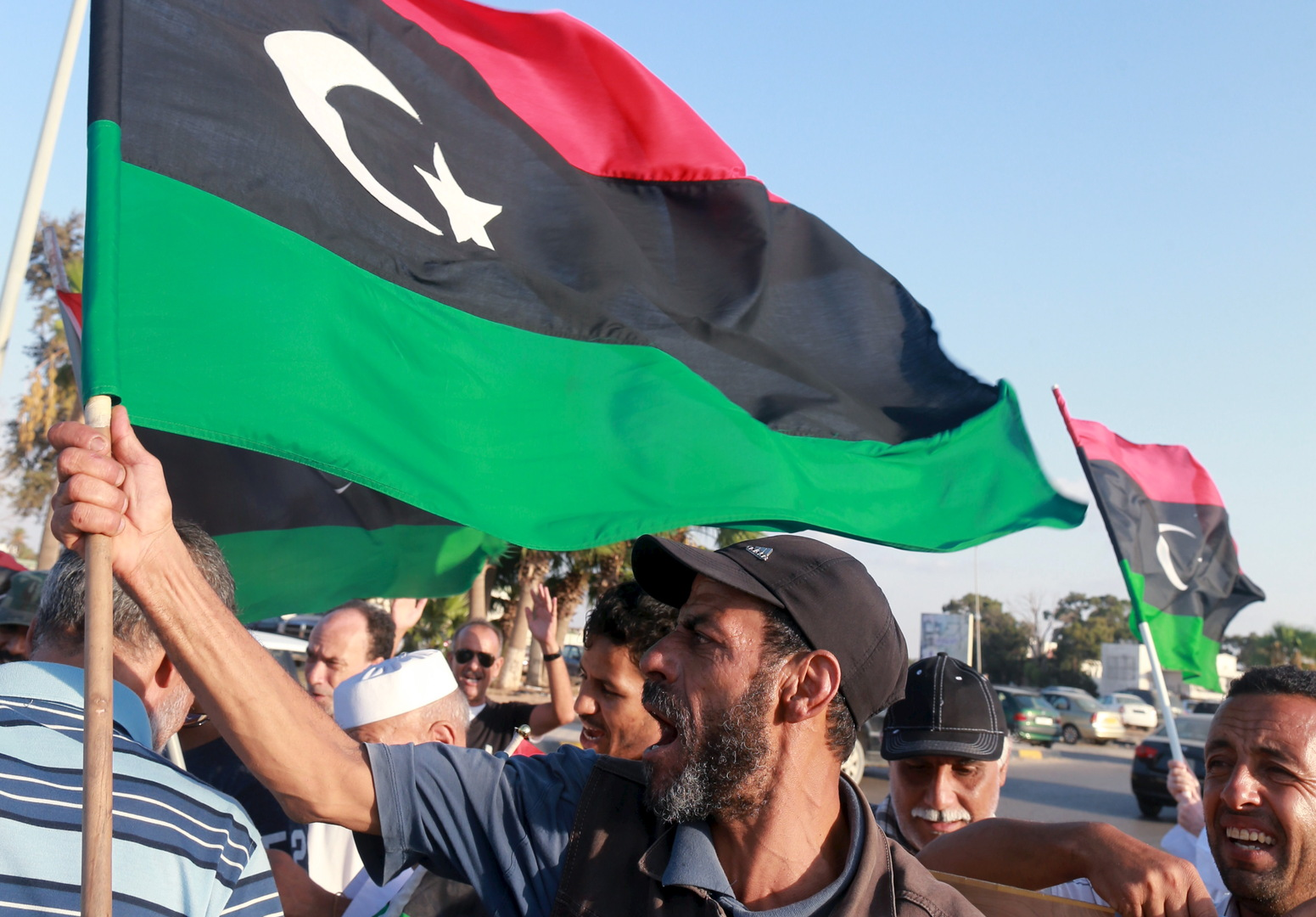 أصداء نيل الحكومة الليبية الجديدة ثقة البرلمان
