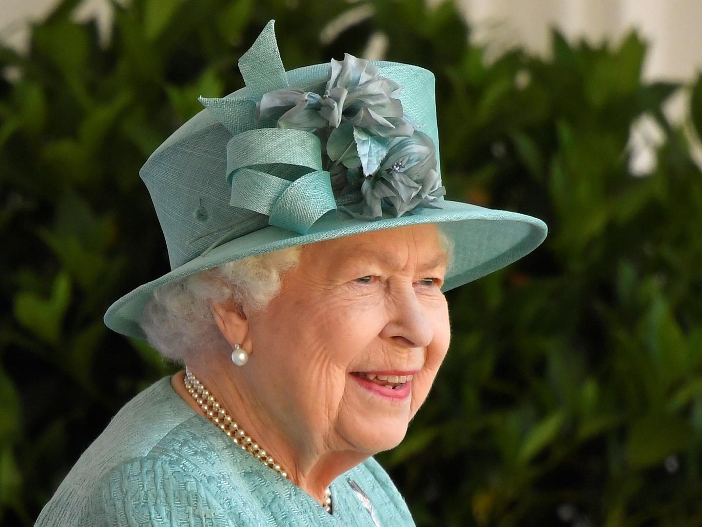 الكشف عن صافي ثروة الملكة إليزابيث