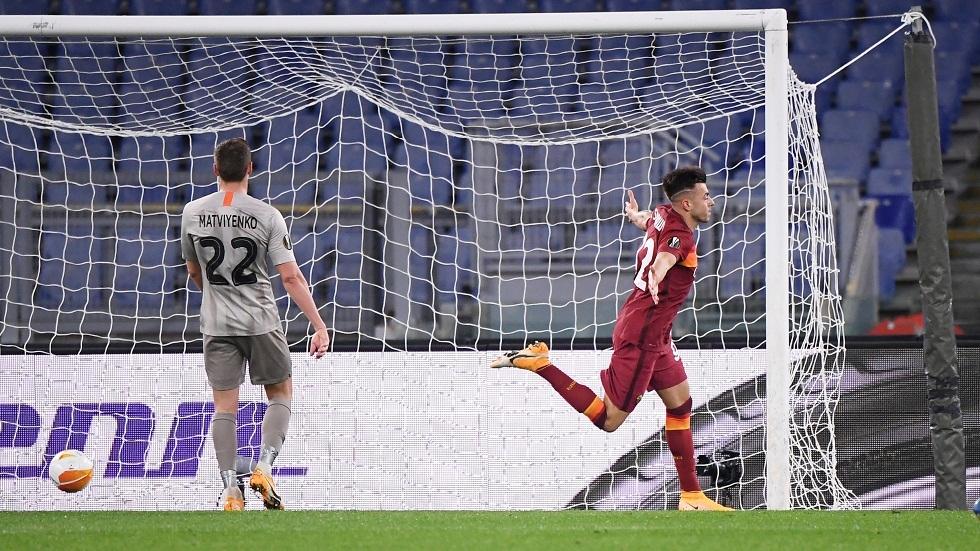 روما يقسو على شاختار بثلاثية ويضع قدما في ربع نهائي الدوري الأوروبي (فيديو)