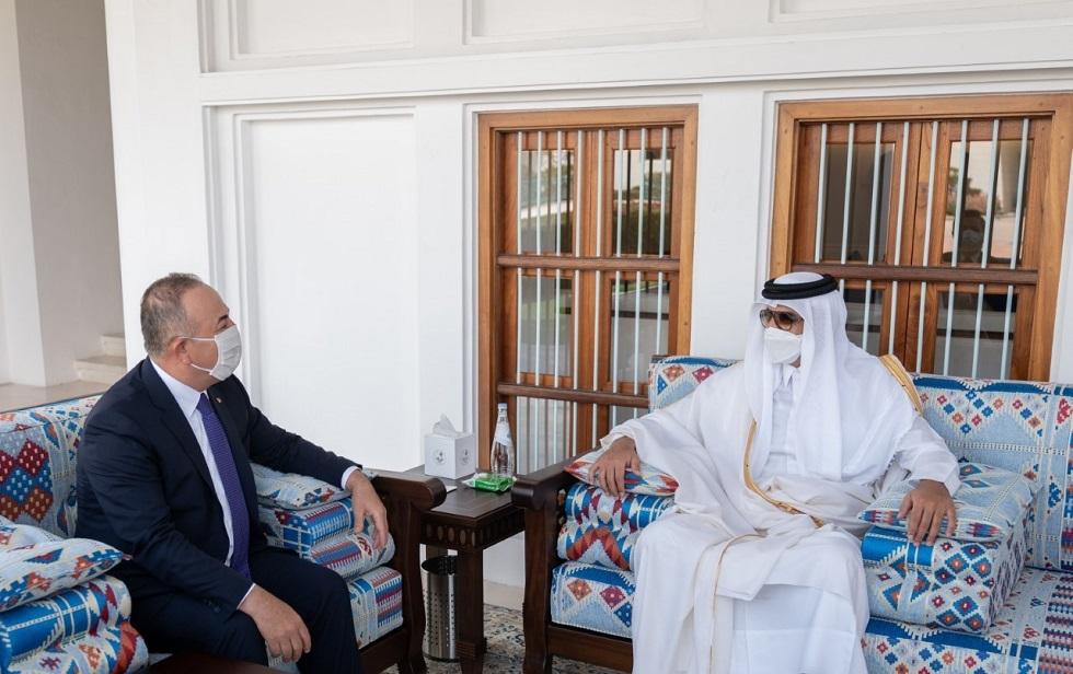 أمير قطر الشيخ تميم بن حمد آل ثاني ووزير الخارجية التركي مولود تشاووش أوغلو