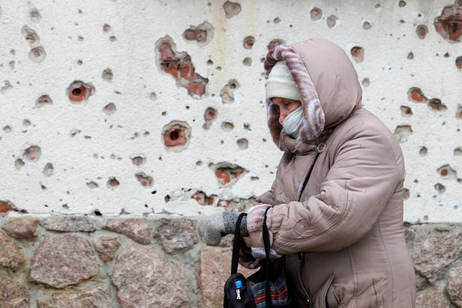 كلاشنيكوف: إذا هاجمت كييف دونباس فموسكو ملزمة بحماية نصف مليون من مواطنيها هناك