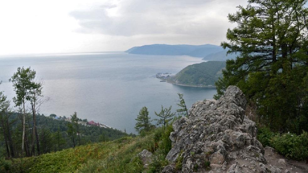 استخدام تيلسكوب نيوترينوي فريد من نوعه لدراسة بحيرة بايكال