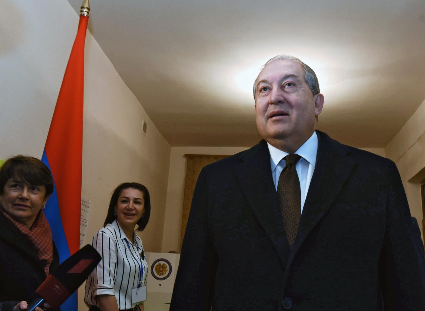 نقل الرئيس الأرمني إلى المستشفى بسبب مضاعفات ناجمة عن كورونا