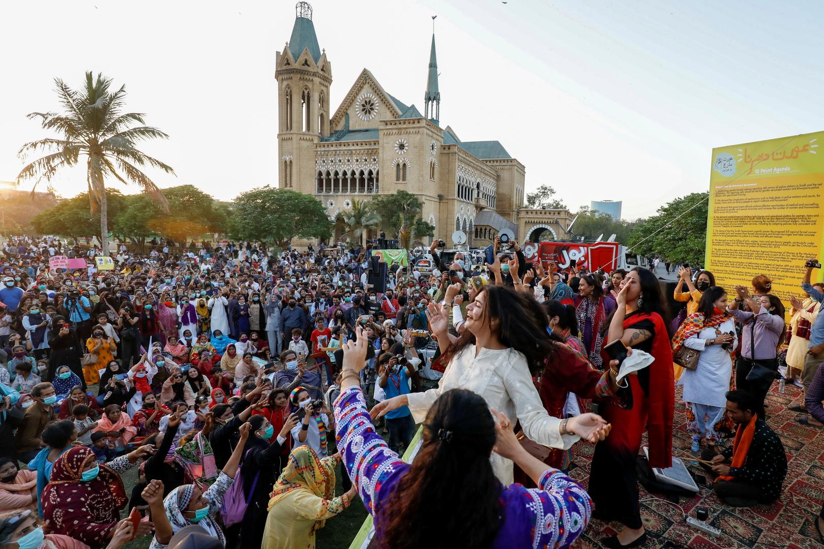 مسيرة في عيد المرأة الدولي 8 مارس 2021 في مدينة كراتشي الباكستانية