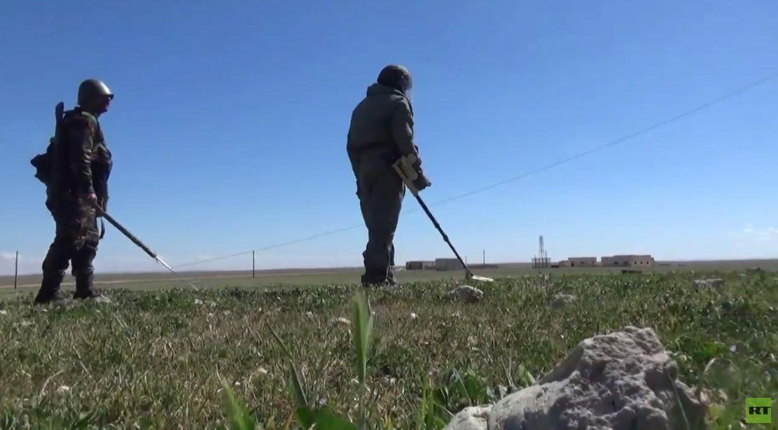 بالفيديو.. نزع الألغام في محافظة حماة السورية