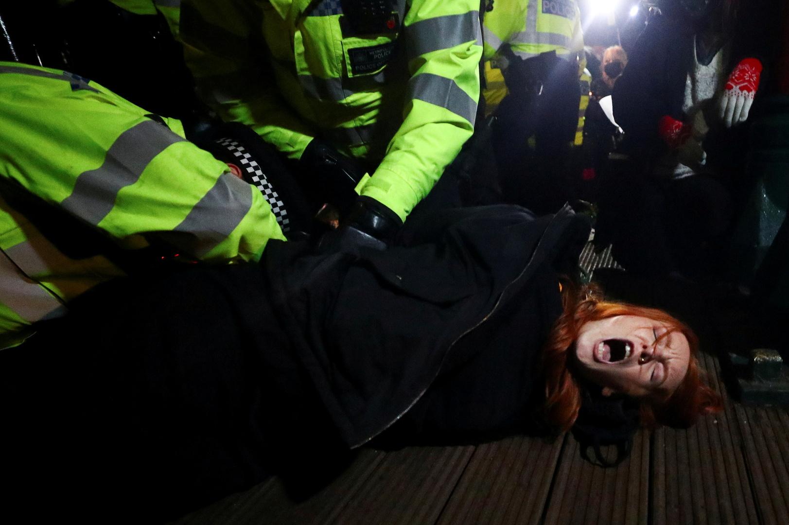 بريطانيا.. ضابط شرطة يعترف بخطفه واغتصابه امرأة