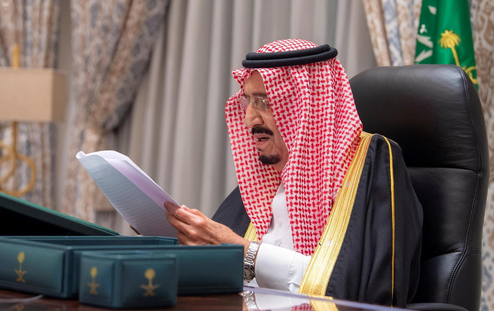 الملك السعودي يبعث برسالة خطية لأمير الكويت