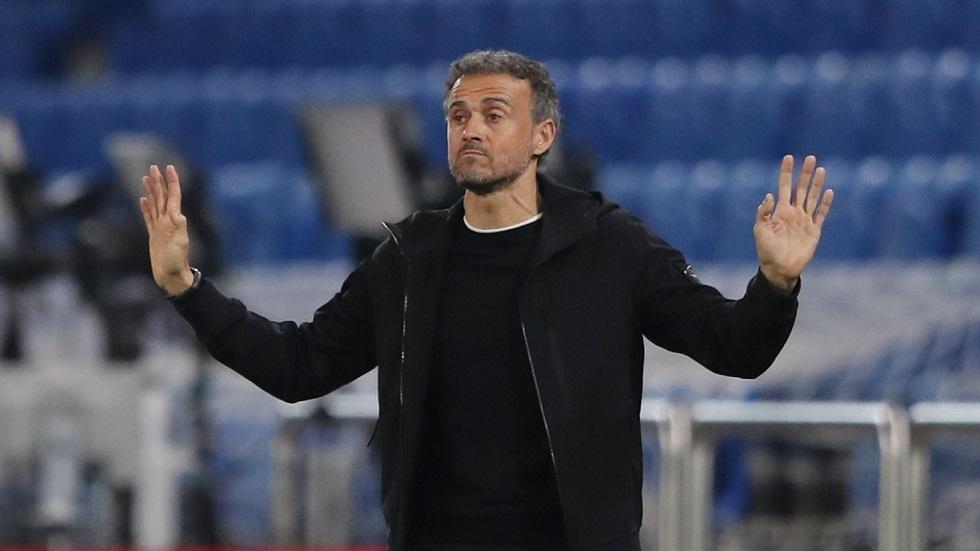 لويس إنريكي يتسبب بخسارة برشلونة مليون يورو من حيث يدري أو لا يدري