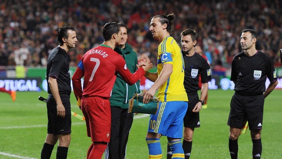 زلاتان يرتدي قميص منتخب السويد بعد 5 سنوات