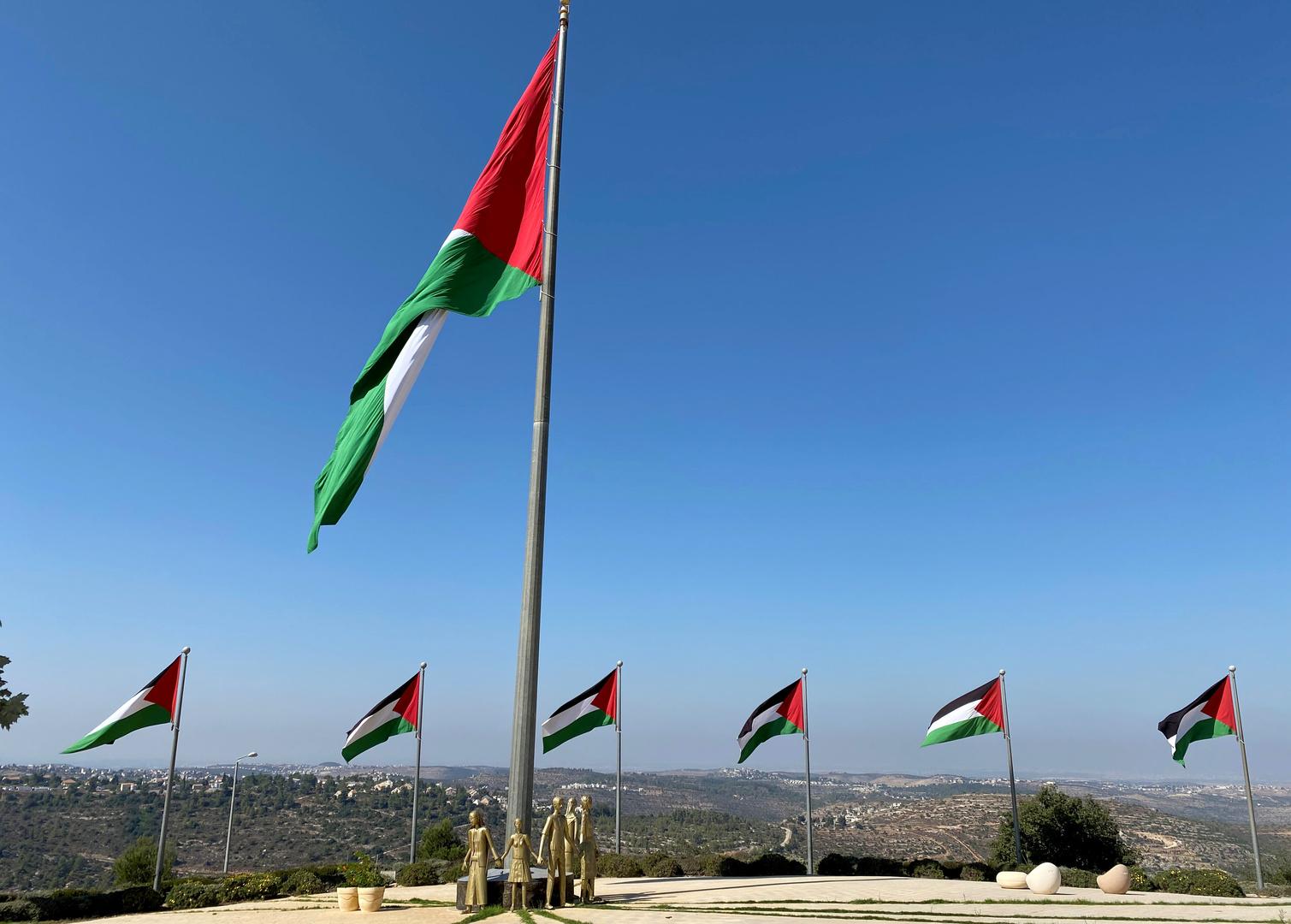 الأحزاب والفصائل الفلسطينية توقع على ميثاق شرف يضمن العملية الانتخابية