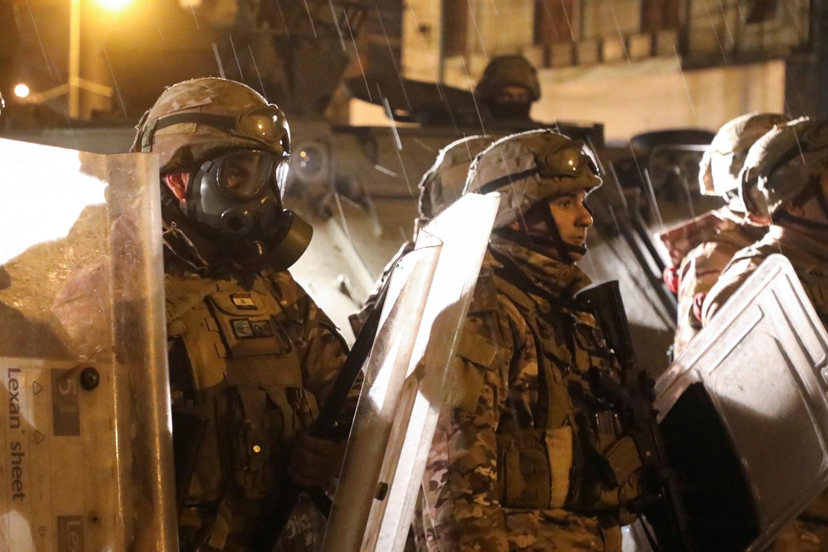 بالفيديو.. اشتباكات عنيفة بين الجيش اللبناني ومطلوبين