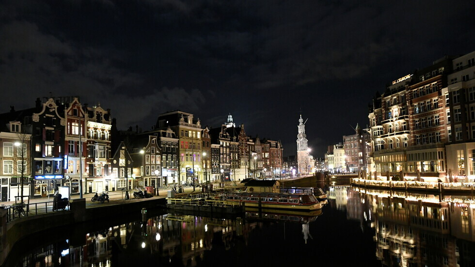 هولندا تسجل أكبر قفزة للإصابات الجديدة بكورونا منذ يناير