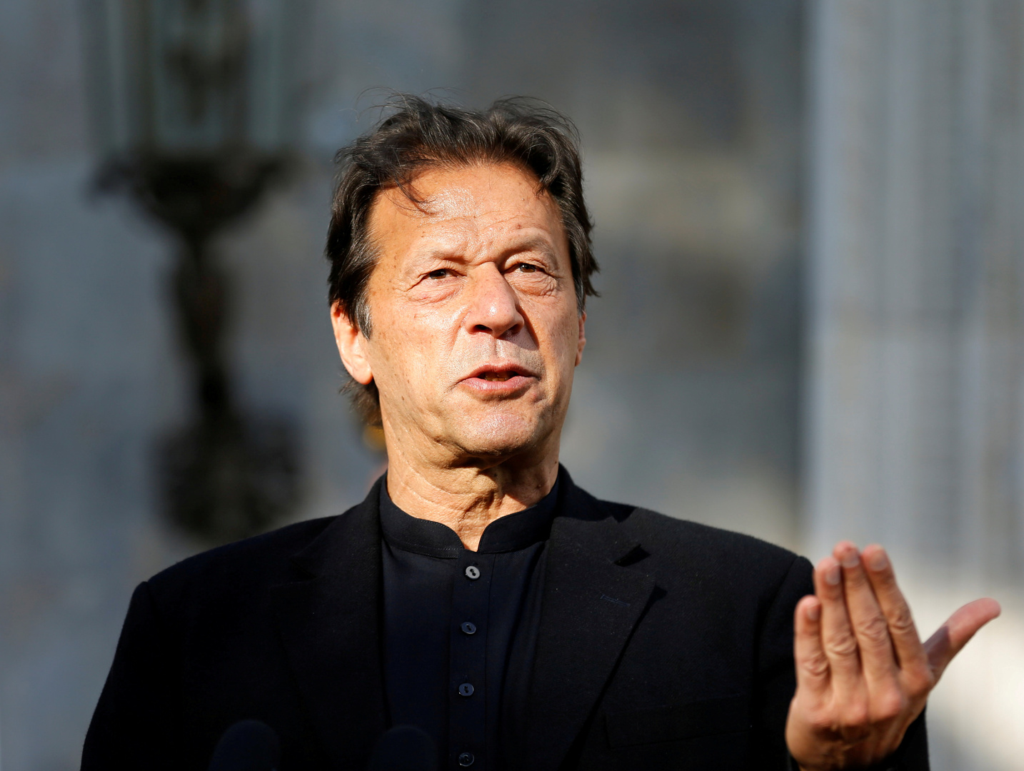 Pakistani Health Minister: The Prime Minister of Pakistan, Imran Khan, was infected with Corona virus