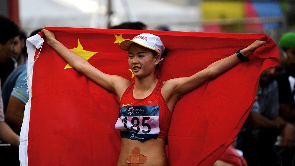 الصينية يانغ تحطم الرقم العالمي في سباق 20 كلم مشيا