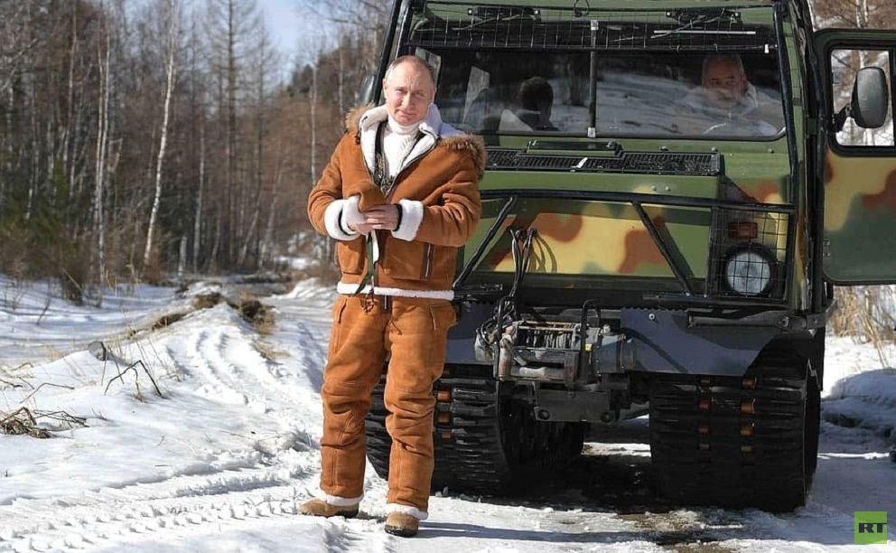 بالصور.. بوتين يقضي عطلته الأسبوعية في التايغا برفقة وزير دفاعه