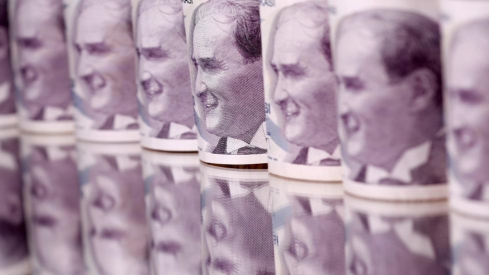 الليرة التركية تتعافى من بعض خسائرها
