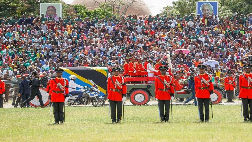 مقتل 5 من عائلة واحدة في تدافع خلال إلقاء نظرة الوداع على جثمان رئيس تنزانيا