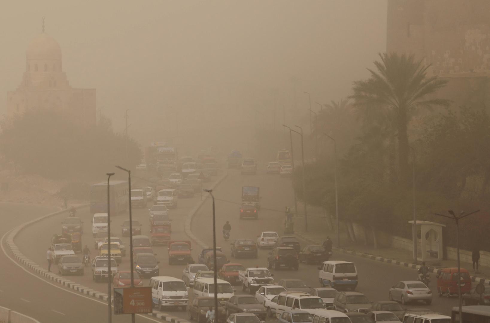 مصر.. الأرصاد الجوية تحذر من عاصفة ترابية قادمة من ليبيا