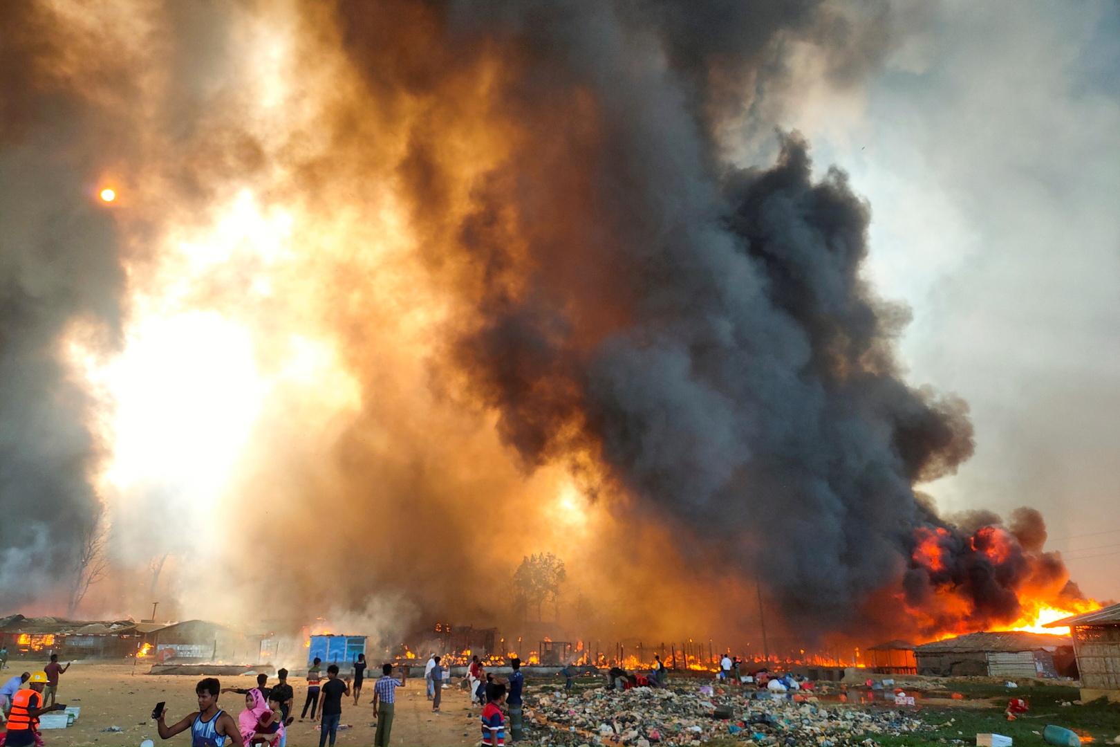 حريق في مخيم للاجئي الروهينغا في بنغلاديش