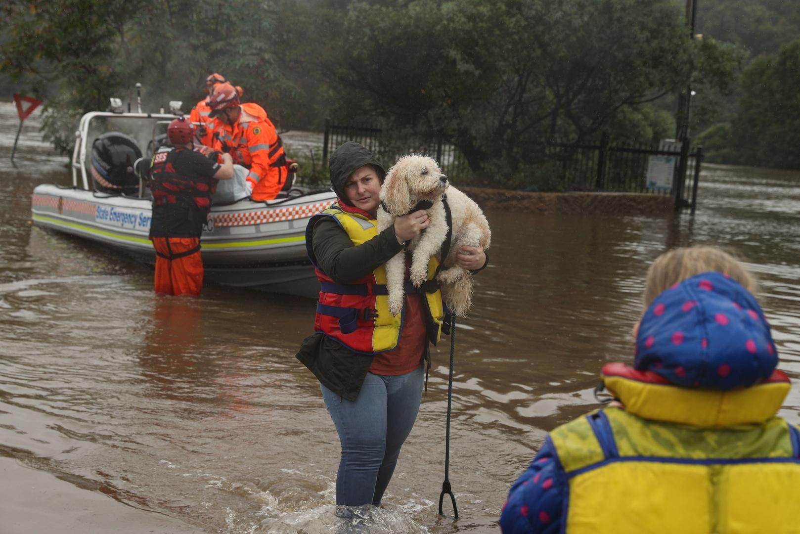 في أسوأ فيضانات منذ نصف قرن.. أستراليا تجلي آلاف السكان (صور+ فيديو)