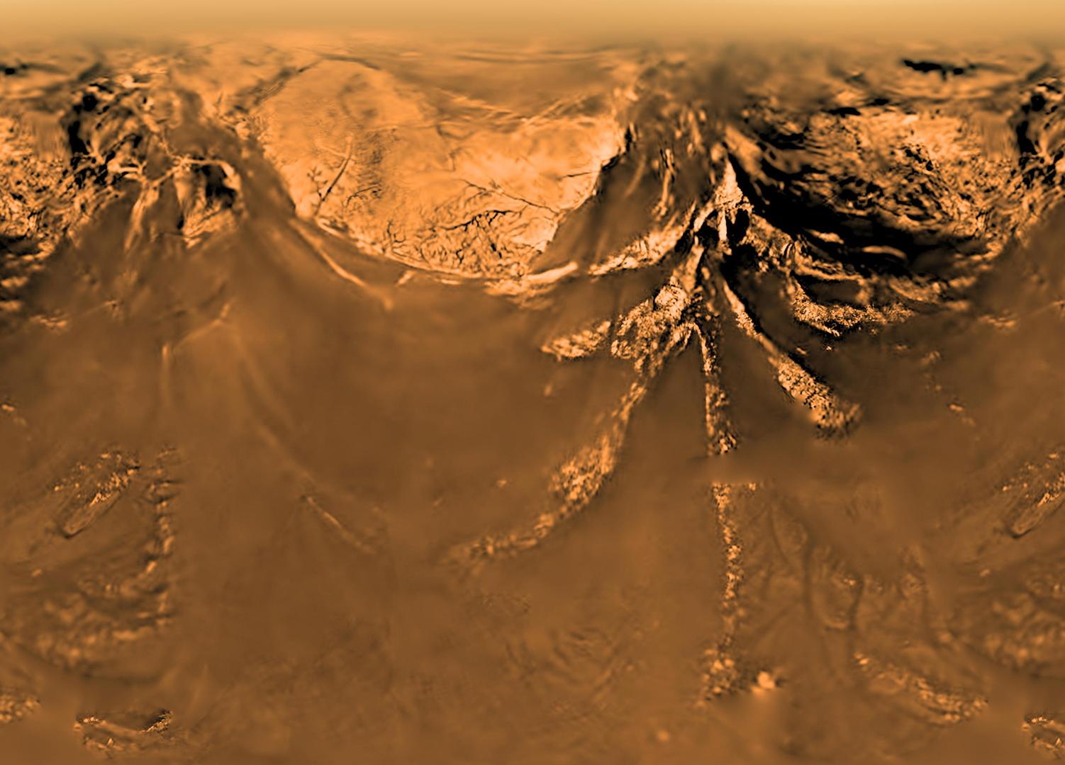 قمر تيتان