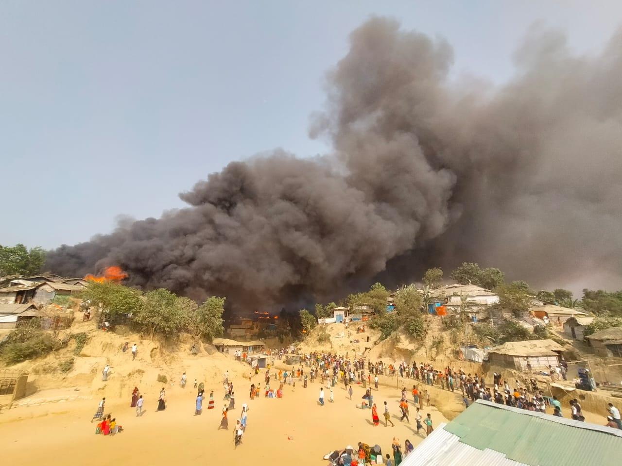 حريق مخيم للروهينغا في بنغلاديش
