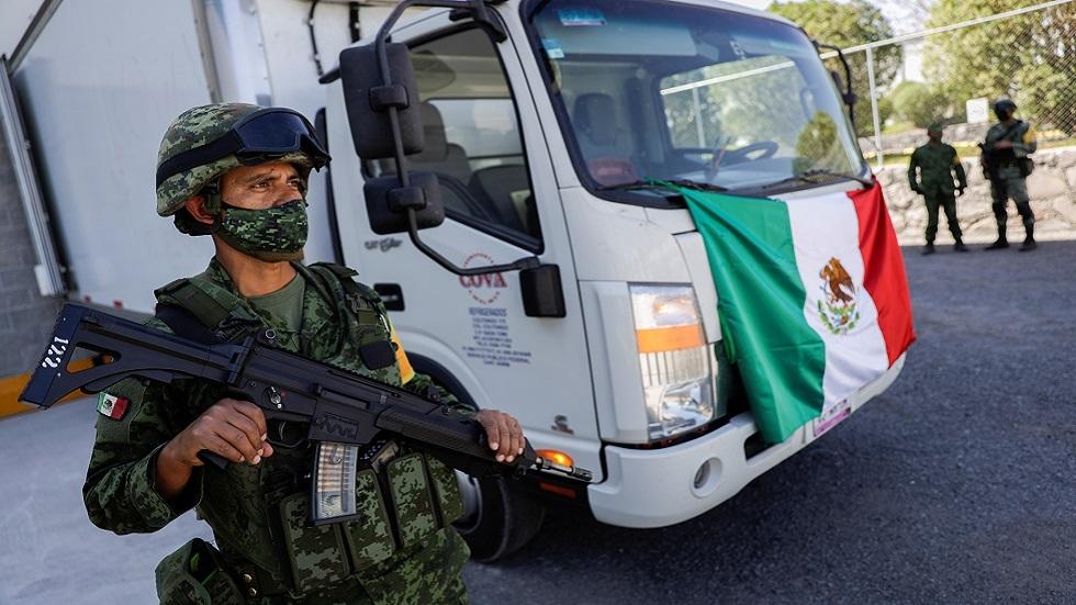 المكسيك.. فرار طاقم طائرة حاولت تهريب دفعة مزيفة من لقاح كورونا