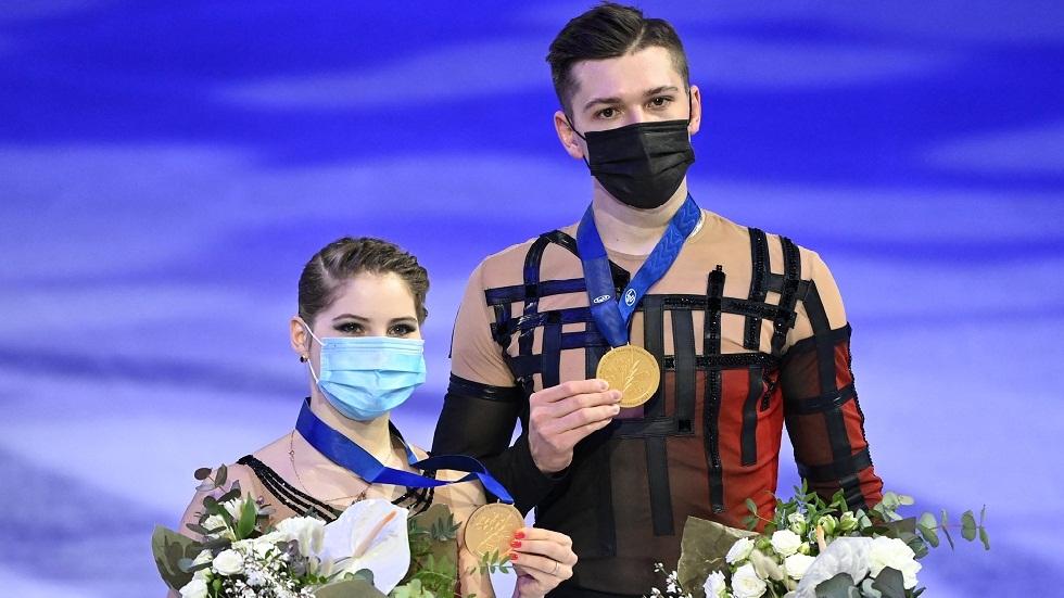 روسيا تحصد الميدالية الذهبية بمسابقة الزوجي في بطولة العالم للتزحلق الفني على الجليد (فيديو)