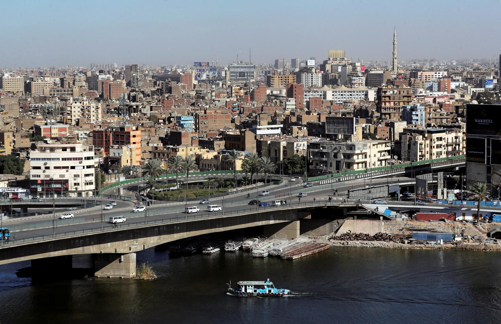 مقتل خمسة أشخاص بانهيار بناء من 10 طوابق في القاهرة