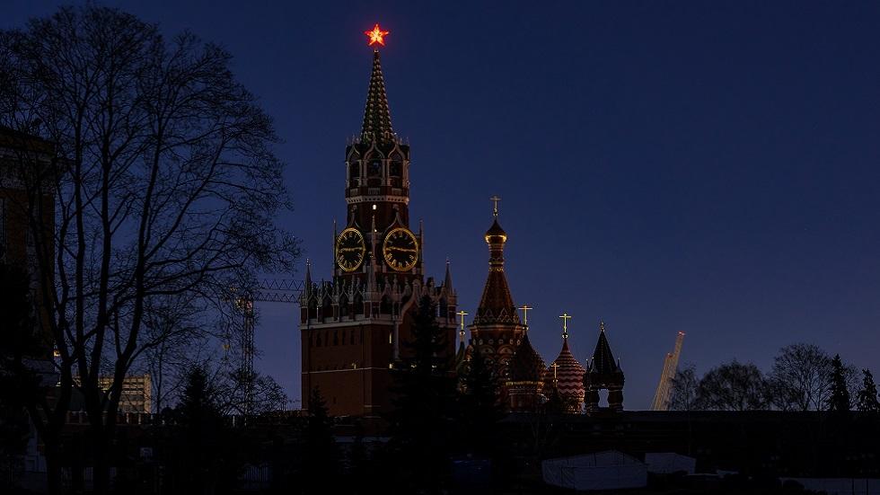 الكرملين بموسكو بعد إطفاء الإضاءة ضمن حملة