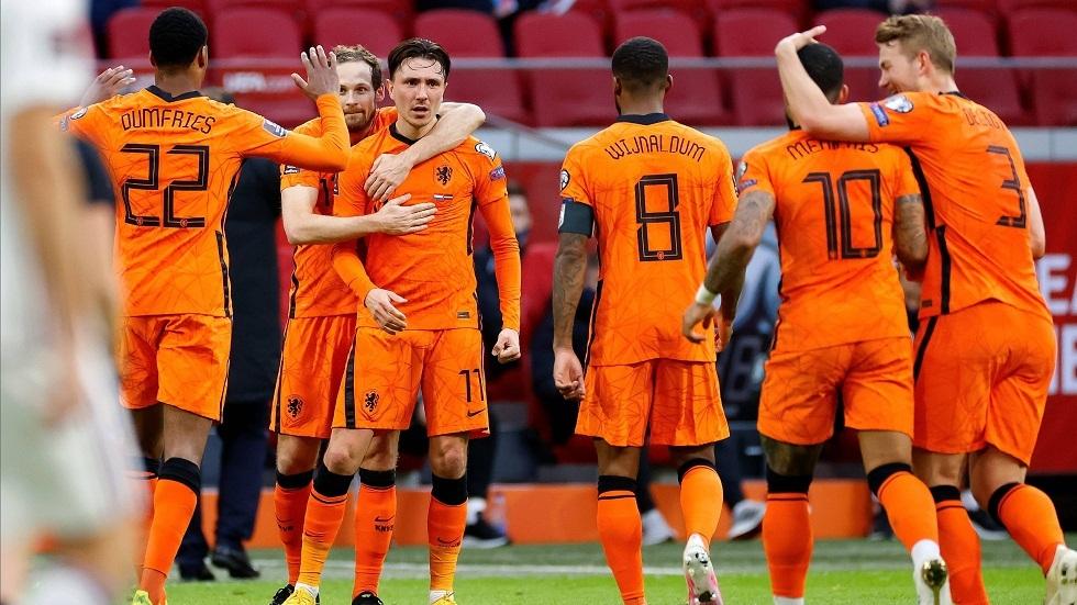 تصفيات مونديال قطر.. هولندا تحقق انتصارها الأول وتركيا تقسو على النرويج بثلاثية (فيديو)