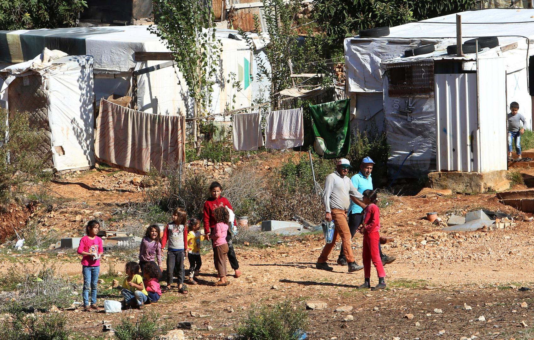 لبنان.. وفاة 4 نازحين سوريين من البرد على الحدود تفتح قضية تهريب البشر على مصراعيها