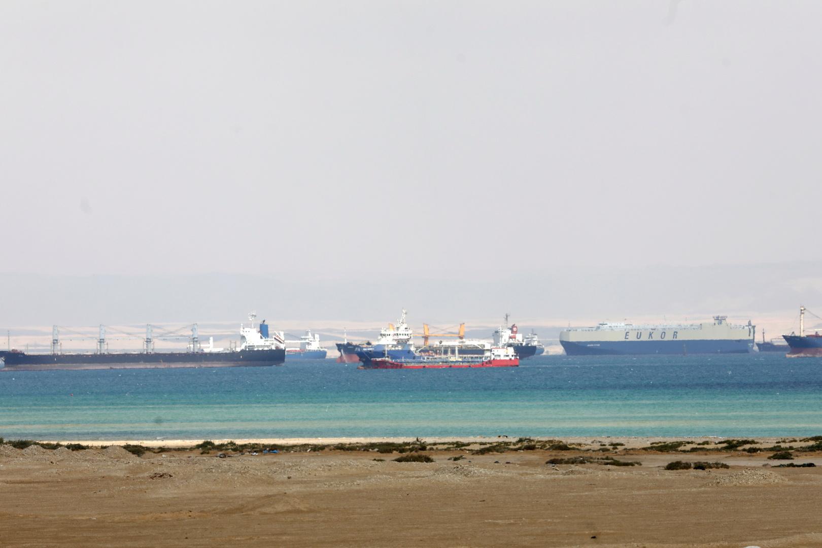 هيئة قناة السويس تكشف حجم الخسارة اليومية للقناة والإجراءات التي قد تتخذها حيال السفن العالقة