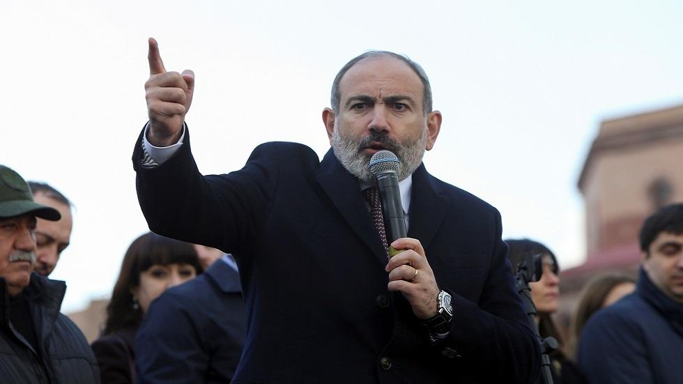 باشينيان يكشف موعد تقديمه الاستقالة