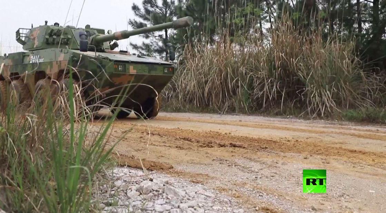 بالفيديو.. الجيش الصيني يجري مناورات بالذخيرة الحية بمشاركة العنصر النسائي