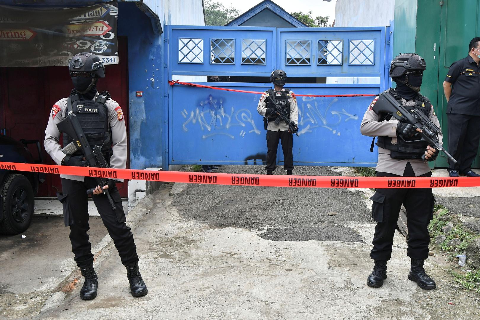 عناصر من الشرطة الإندونيسية