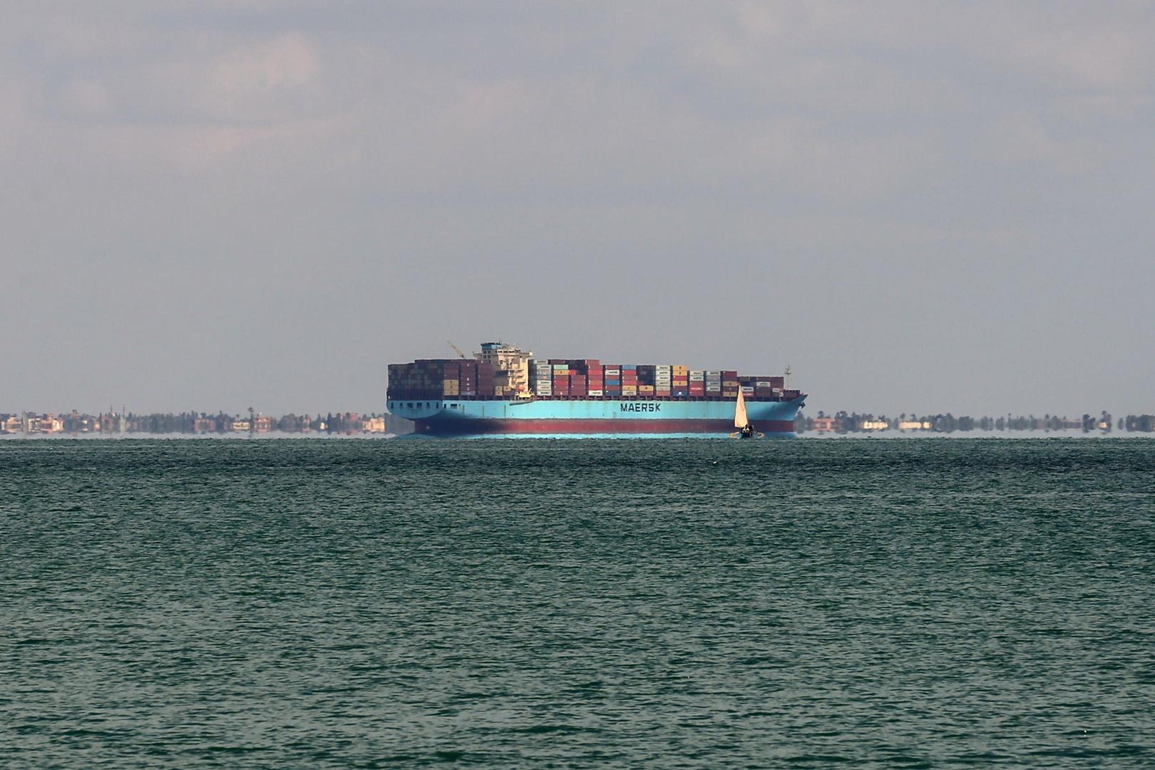 هيئة قناة السويس: استئناف حركة الملاحة في القناة بعد إعادة تعويم السفينة الجانحة