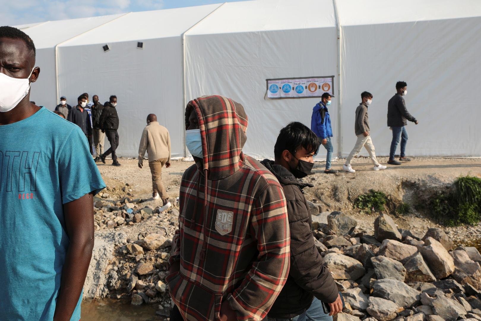 لاجئون عند الحدود اليونانية، أرشيف