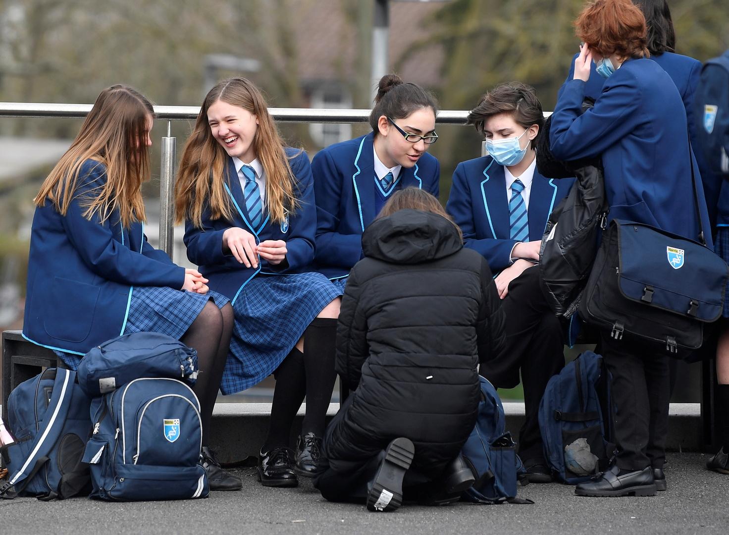 بريطانيا.. صدمة بالحكومة بعد أنباء عن انتهاكات جنسية في المدارس