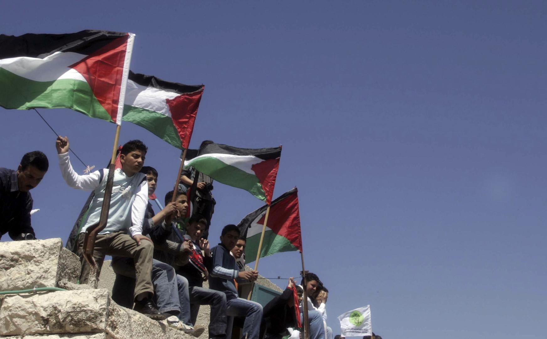 الفلسطينيون يحيون يوم الأرض ودعوات لتعزيز الوحدة الوطنية