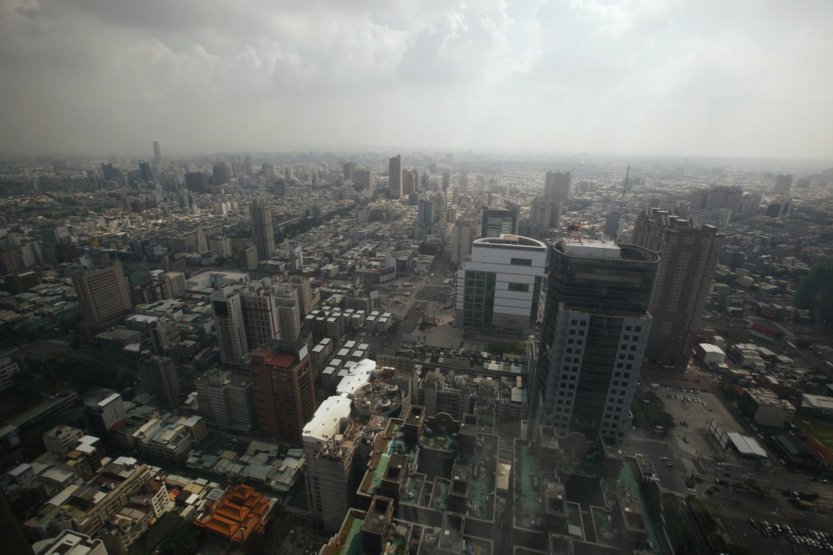 منظر جوي لمدينة كاوشيونغ في جنوب تايوان