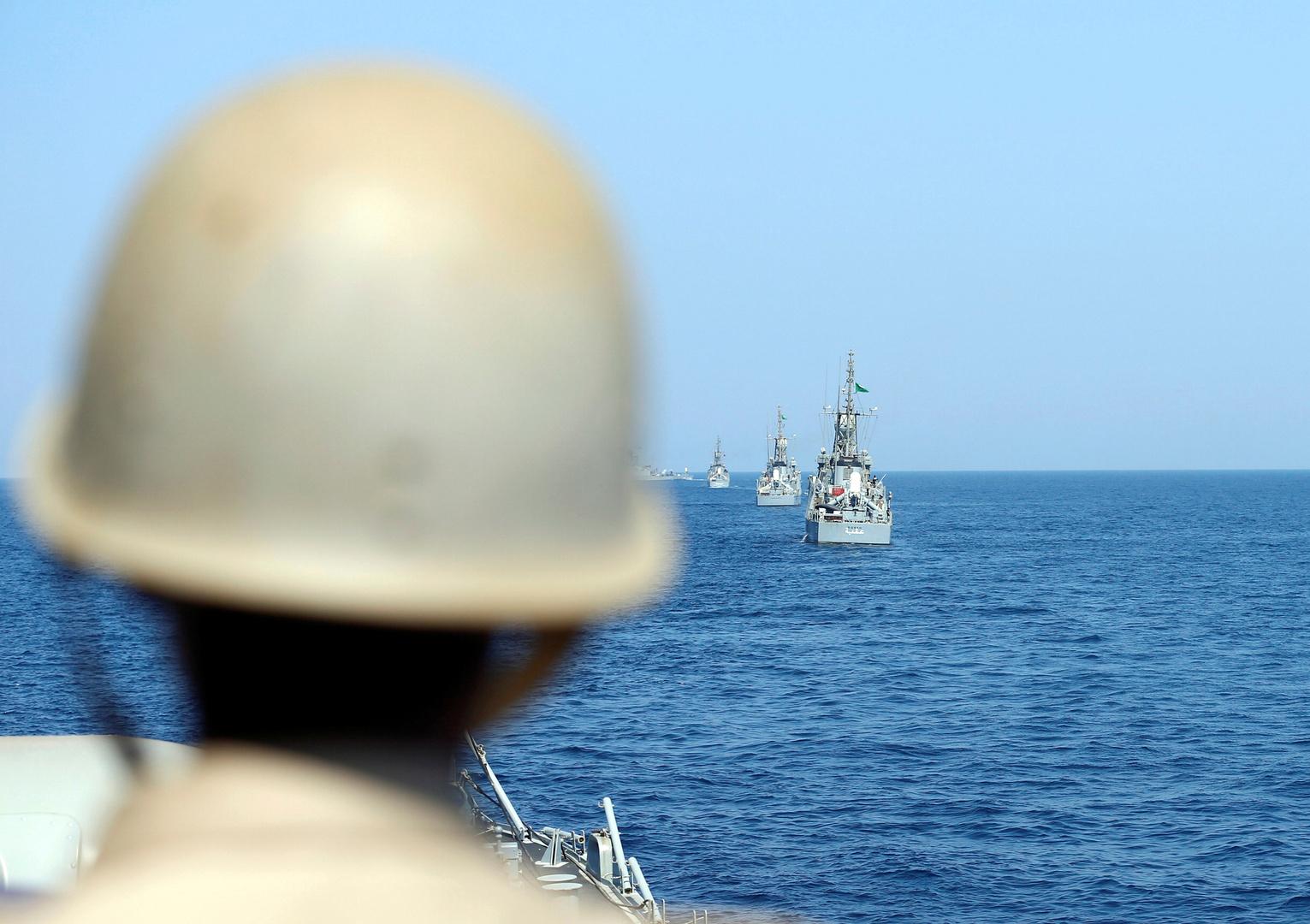 أحد أفراد البحرية الملكية السعودية، أرشيف