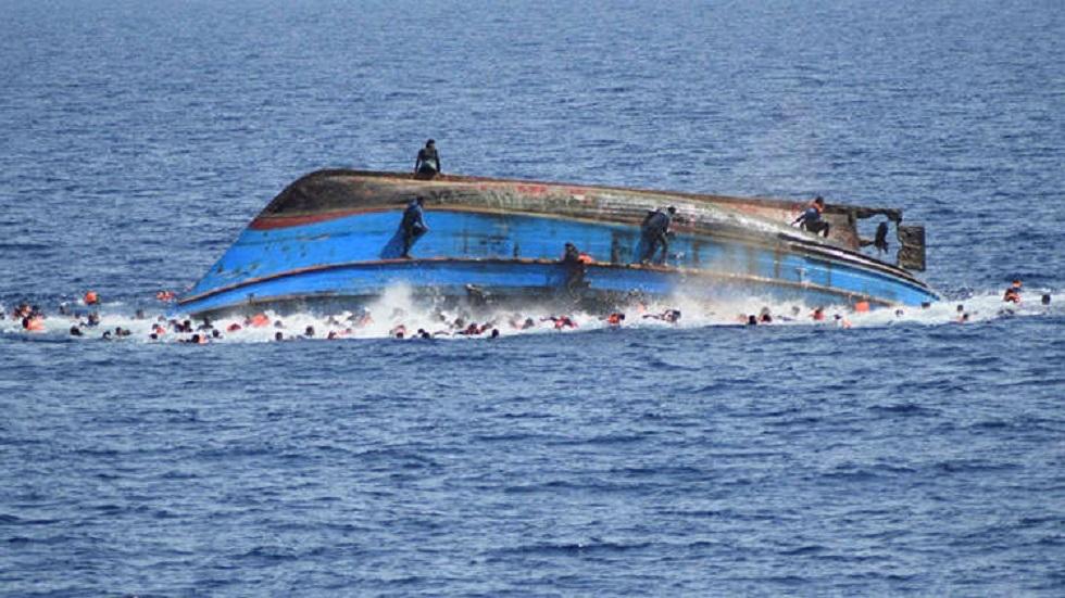 غرق امرأتين وثلاثة أطفال في انقلاب قارب قبالة الساحل الليبي