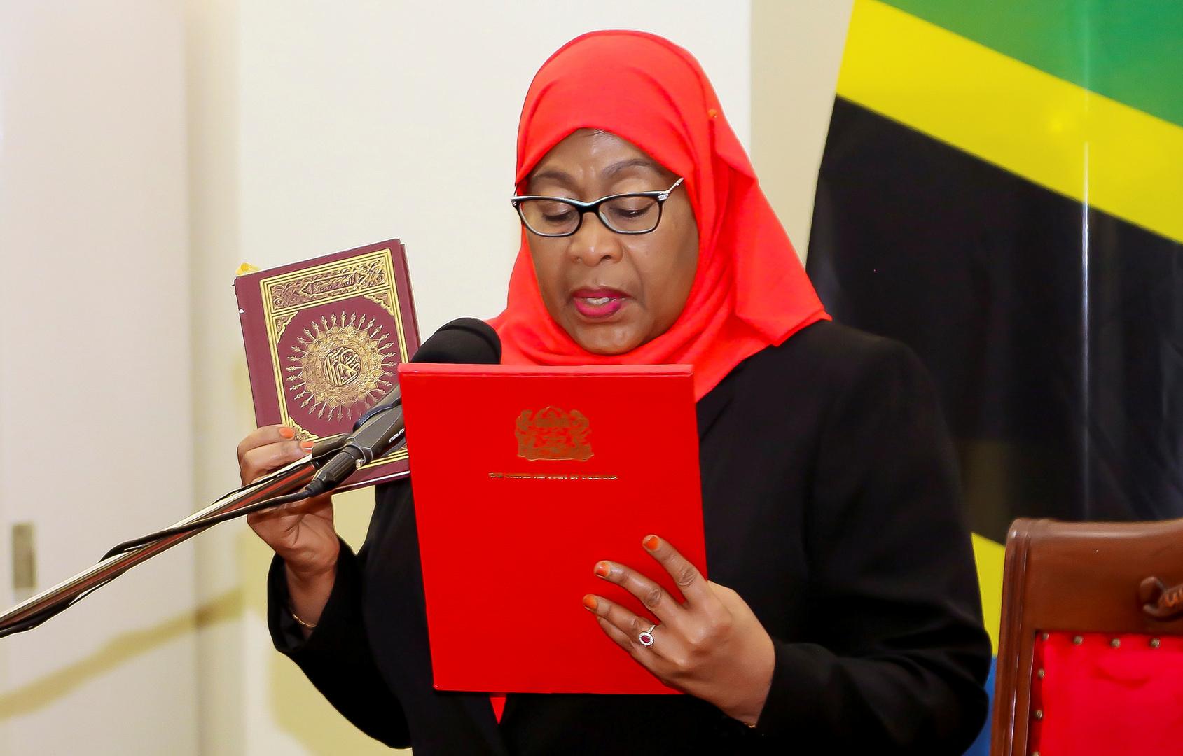 صحيفة تنزانية تعزّي في رئيسة البلاد وهي على قيد الحياة