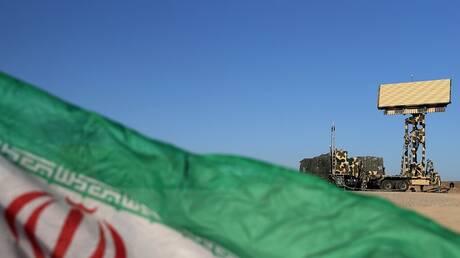 الحرس الثوري الإيراني يعلن إصابة شخص وفقدان آخر بهجوم مسلح على حافلة له
