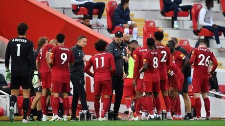 مدرب ليفربول يهدد بمنع لاعبيه من المشاركة مع منتخبات بلادهم