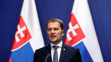 """""""أداة في حرب هجينة"""".. حكومة سلوفاكيا على شفا الانقسام وسط جدل سياسي حول اللقاح الروسي"""