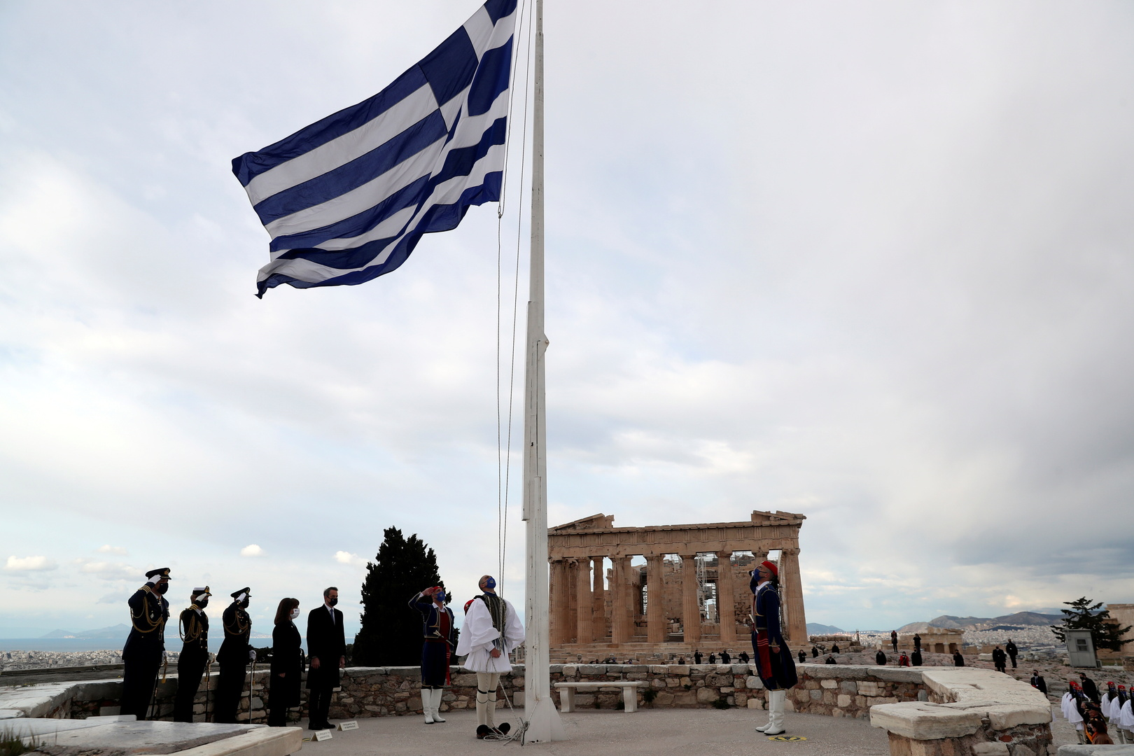 رئيس الوزراء اليوناني يزور ليبيا الثلاثاء ويعيد فتح سفارة بلاده